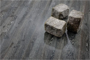 Темно-серый ламинат