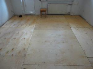 Как правильно уложить ламинат на бетонный пол