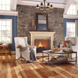 Деревянный пол в доме в стиле кантри