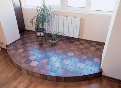 Оригинальный подиум в квартире