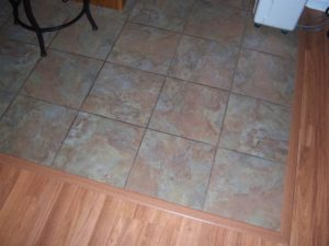 Плавный переход между плиткой и ламинатом