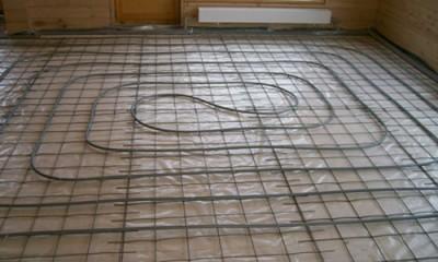 Водяной теплый пол с трубопроводом, уложенным по спирали