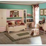 Детская комната с ламинатом