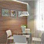 Интерьер дома с подсветкой ламината на стене