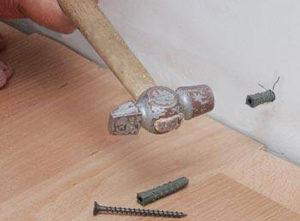Как правильно прибить гвозди к ламинату