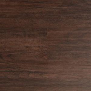 Ламинат, выполненный в коричневом цвете