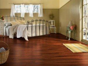 Особенности выбора ламината для спальни