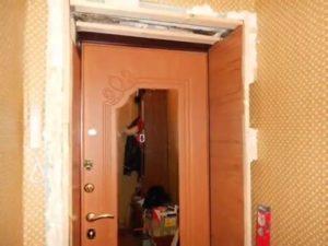 Практичные двери из ламината