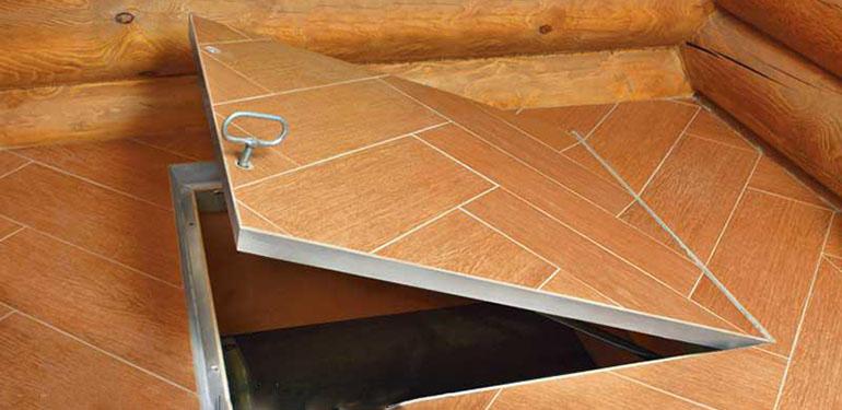 Пример готового люка из ламината