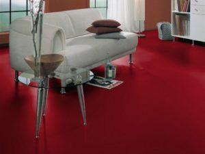 Пример интерьера с красным ламинатом