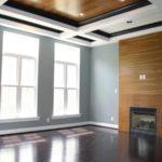 Темный оттенок ламината на потолке