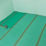 Укладка зеленого ламината
