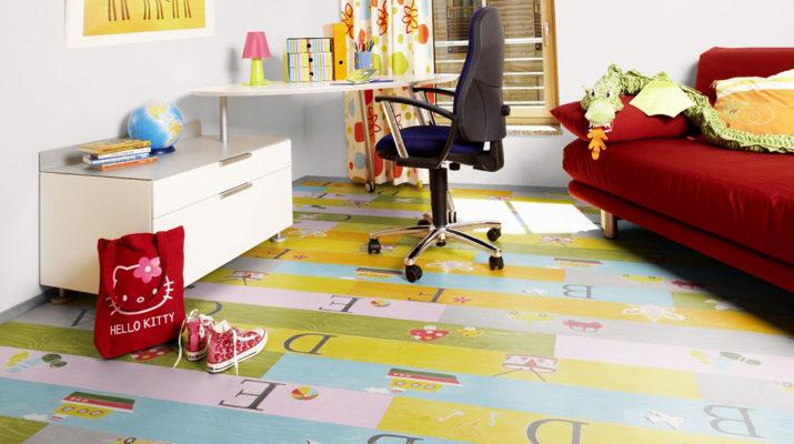 Яркий ламинат в детской комнате