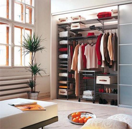 Как обустроить гардеробную комнату мебелью