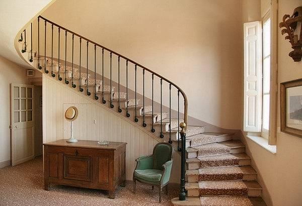 Как построить безопасную лестницу в доме