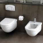 Ламинат под плитку в туалете