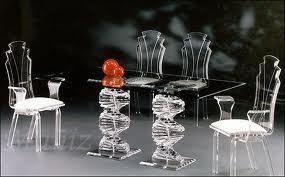 Легкость стеклянной мебели