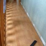 Матовая поверхность пола в комнате