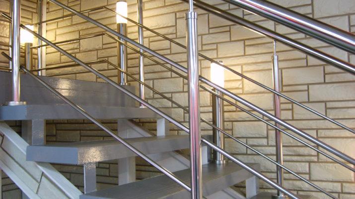 Металлические ограждения для лестниц
