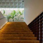 Основные правила выбора светильников для лестницы