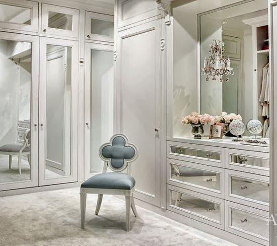Преимущества мебели на основе шкафов-купе. Основные отличия разных систем дверей-купе.