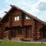 Преимущества строительства дома из оцилиндрованного бревна