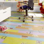 Разноцветный ламинат в детскую