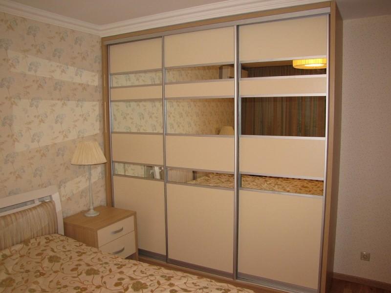 Спальные комнаты. Шкаф-купе в спальню