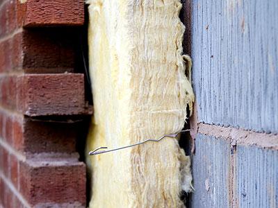 Как утеплить стены загородного дома