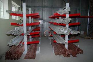 Консольные стеллажи для складирования продукции