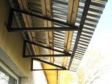 Зачем нужна крыша балкона верхнего этажа