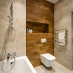 Ламинат для ванной комнаты: водостойкий или влагостойкий?