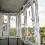 Преимущества установки ПВХ окон на балконе