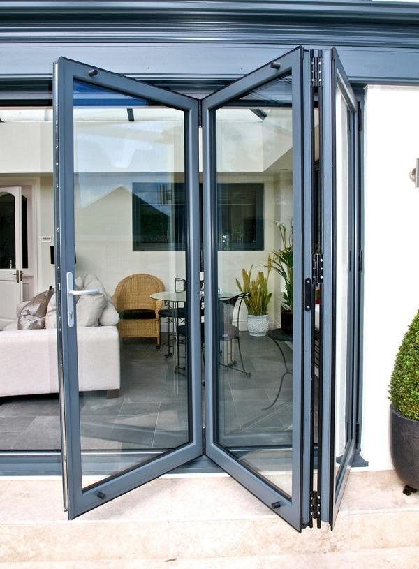 раздвижные складные двери из алюминия