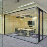 Виды и преимущества стеклянных перегородок