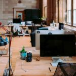 Чем оборудовать рабочие места в офисе